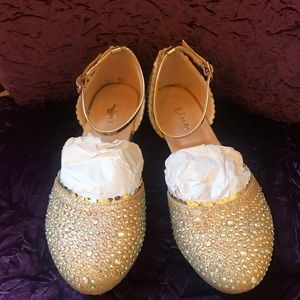 SPARKLY GOLD DRESSY SHOES